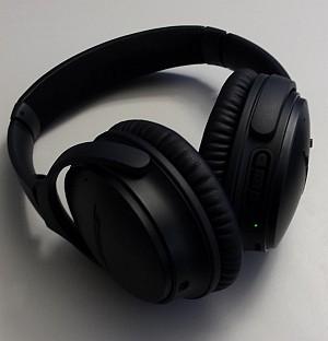 Unser schwarzes Testmodell: QuietComfort 35 von Bose